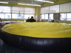 Inflatable safety mattress