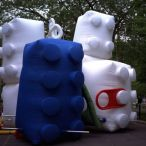 Inflatable lego blocs